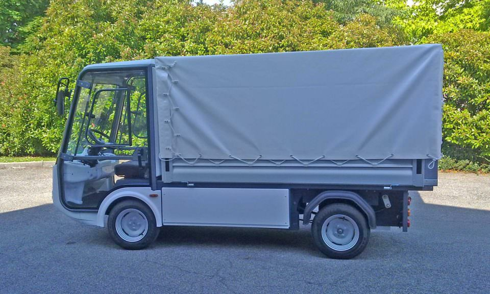 151 - Esagono Energia - Pick-up with rack & canvas