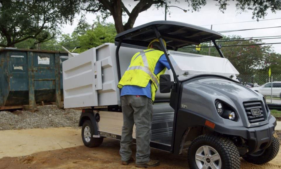 Electric waste vehicle
